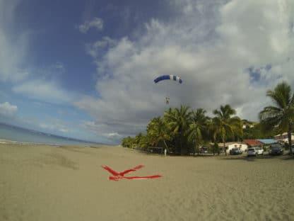 Saut en Parachute sur les Plages des Antilles